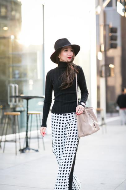 wendy's lookbook blogger bag hat optical black and white polka dots shoulder bag pants turtleneck polka dot pants wide-leg pants ribbed top long sleeves felt hat black hat nude bag