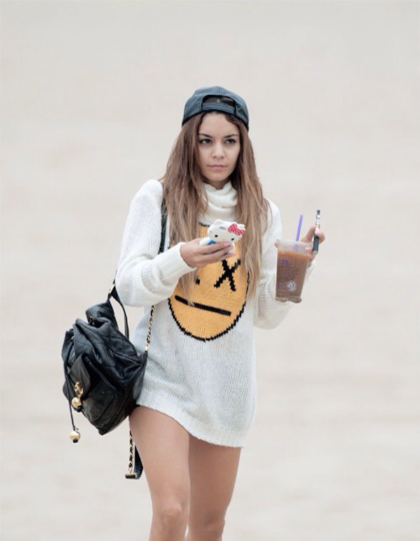 vanessa hudgens sweater bag