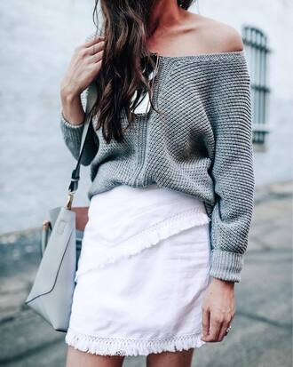 sweater sunglasses tumblr grey sweater skirt mini skirt white skirt frayed denim frayed denim skirt