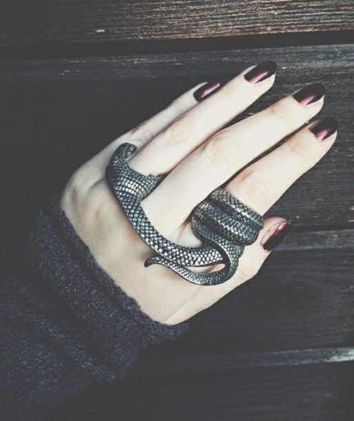 jewels snake ring bague serpent grunge dark snake ring silver cool grunge jewelry grunge wishlist grunge hardcore black snake ring rin biting nail accessories