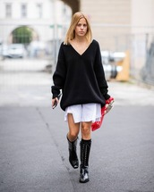 sweater,black sweater,boots,black boots