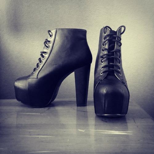 Amazon.com: Speed Limit 98 Women Rosa Boots: Shoes