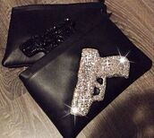 bag,fashionista,beautiful bags,kardashians,style,black,clutch,gun,gun bag,beautiful,glitter