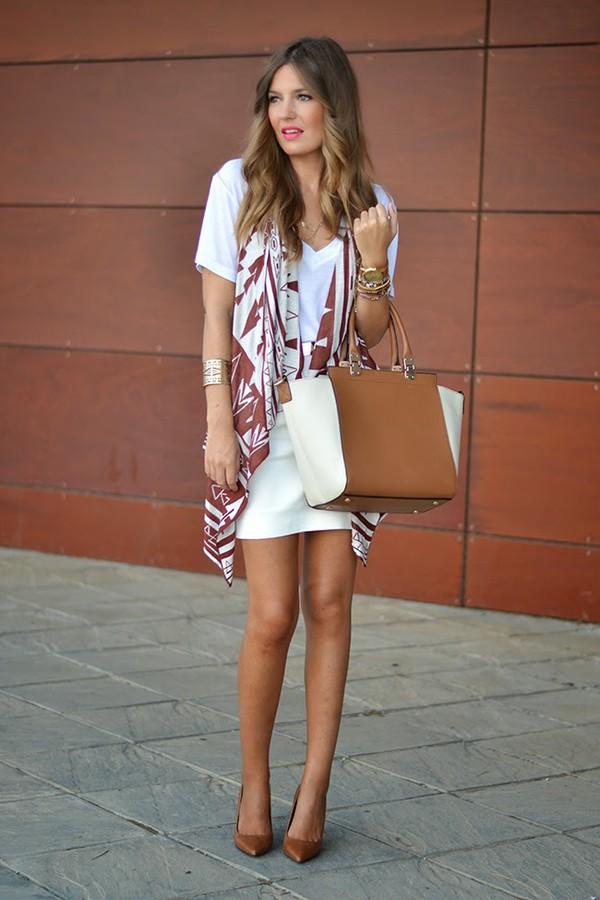 mi aventura con la moda blogger t-shirt jewels bag belt skirt
