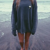 sweater,alien,sweatshirt,grey,t-shirt,women,grunge,grey sweater,brandy melville,scull,oversized sweater