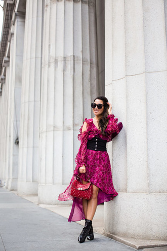 wendy's lookbook blogger dress bag shoes sunglasses jewels red bag long sleeve dress ankle boots