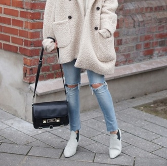 coat bear beige cozy tumblr bag