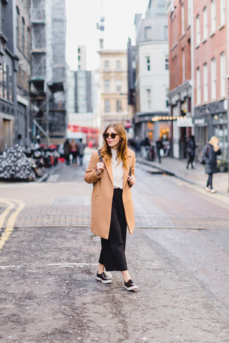 wish wish wish blogger coat sweater shoes
