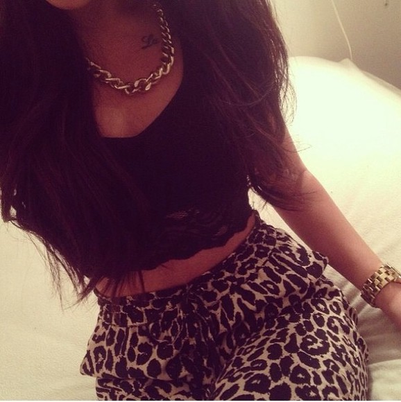 pants black classy beautiful gold leapord print leapord animal print cheetah is the new black cheetah print black tank top