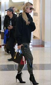 shoes,boots,pants,sweater,hailey baldwin,purse,bag