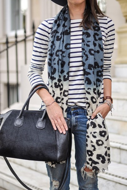 thank fifi blogger scarf t-shirt bag jewels
