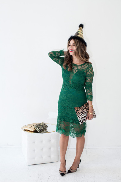 the corporate catwalk blogger green dress lace dress pointed toe pouch animal print animal print bag