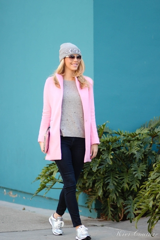 fashion addict blogger pink coat grey sweater beanie silver shoes grey beanie