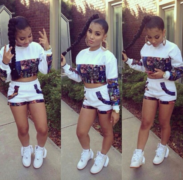 top white long sleeve crop top shorts