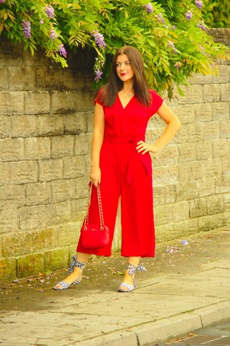 rachelthehat blogger jumpsuit shoes bag red jumpsuits sandals red bag summer outfits