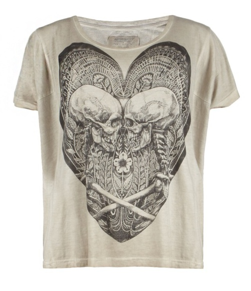 skulls white shirt heart