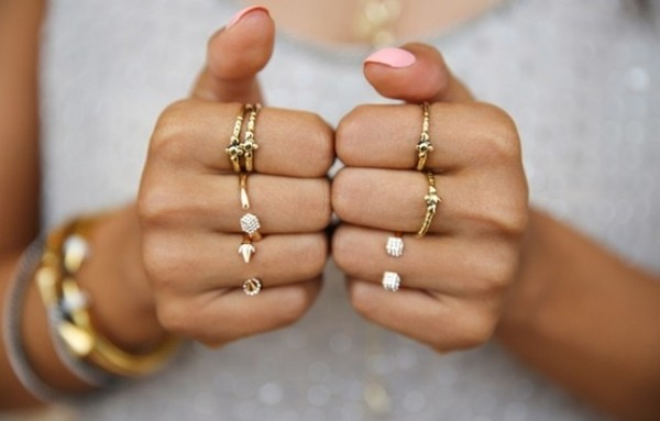 jeans gold jewelry gold tiny rings gold ring ring tumblr jewels ring pink nails rings midi gold rings gold ring stacking rings ring set jewelry rings and tings