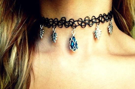 Forget me not Necklace - Rough Blue Titanium Quartz with Oak Leaves - Tattoo Vintage Choker