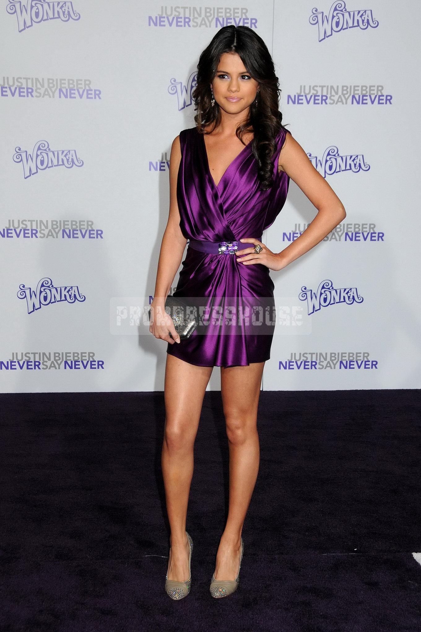 Mini-length Chic Purple Ruching V-neck Ribbon A-line Celebrity Dress - Promdresshouse.com