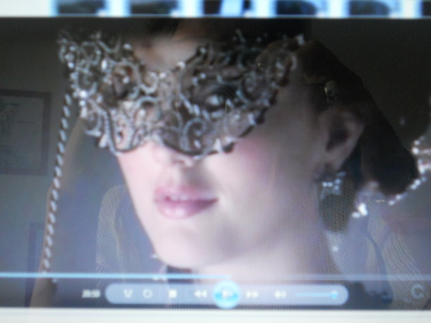 mask gossip girl blair leighton meester grey jewels