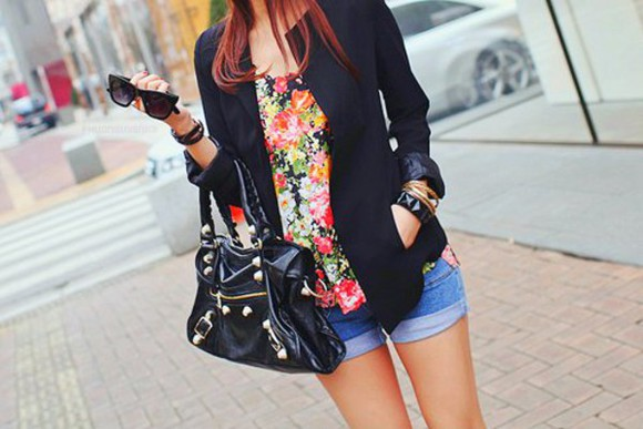 black blazer top floral black purse adorable outfit bag