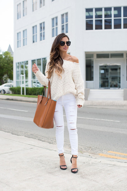 eb097ec0e81 maria vizuete mia mia mine blogger sweater jeans shoes sunglasses bag jewels
