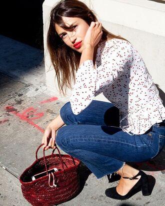 shirt rouje black heels bell sleeves bag red bag denim jeans blue jeans pumps pointed toe pumps jeanne damas