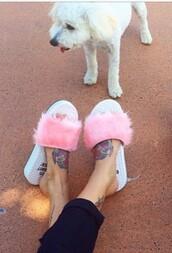 shoes,fluffy flip flops