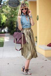 skirt,light blue shirt,sunglasses,gold pleated skirt,blogger
