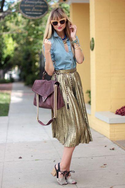 skirt light blue shirt sunglasses gold pleated skirt blogger