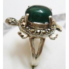 5.570 Grms 925 Sterling Silver Turtle Ring with  Onyx and marcasite