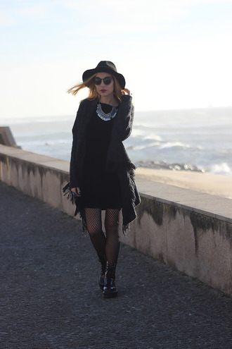 the black effect blogger dress cardigan shoes jewels