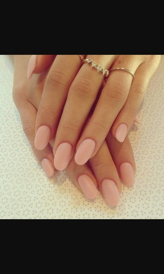 nail polish light pink