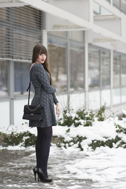 andy sparkles blogger winter dress grey dress dress bag shoes jewels tights opaque tights