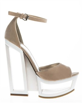 Art deco designed shoes with a nice heel - Buy online at Have2have.se