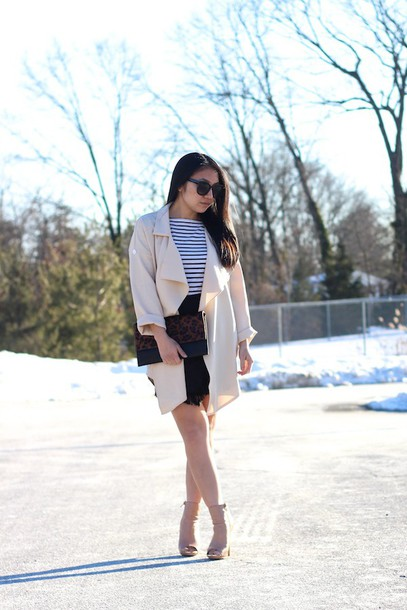 looks by lau blogger trench coat shoes jacket t-shirt skirt bag