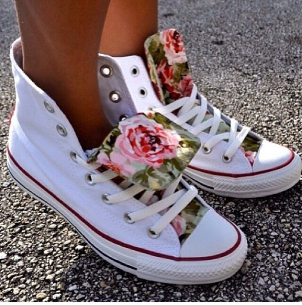 shorts, shoes, white shoes, floral, high top sneakers, co, bag, converse,  flowers, girly, streetstyle, nice, summer, colorful, pink roses, woman shoes,  ...