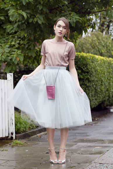 chanel la petite anglaise blogger top bag tulle skirt