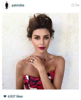 make-up shiva safai pink lipstick eye makeup ring hairstyles celebrity red top sleeveless top