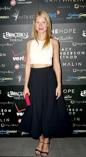 sandals,gwyneth paltrow,skirt,crop tops,top