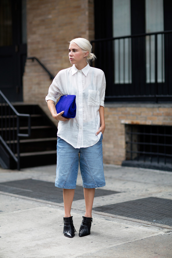 always judging blogger shoes bag culottes denim culottes denim cropped jeans boots black boots fringe shoes high heels boots white shirt shirt blue bag clutch