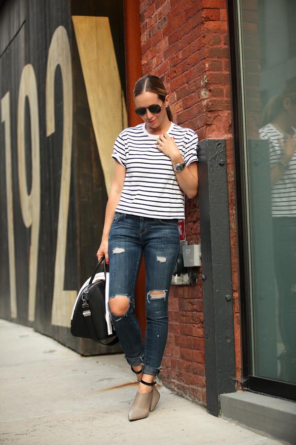 brooklyn blonde t-shirt jeans bag sunglasses jewels