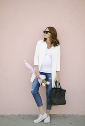 could i have that,blogger,jeans,t-shirt,jewels,sunglasses,bag,shoes