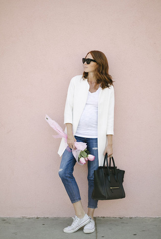 could i have that blogger jeans t-shirt jewels sunglasses bag shoes