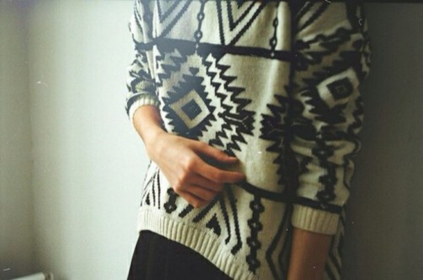 sweater black white