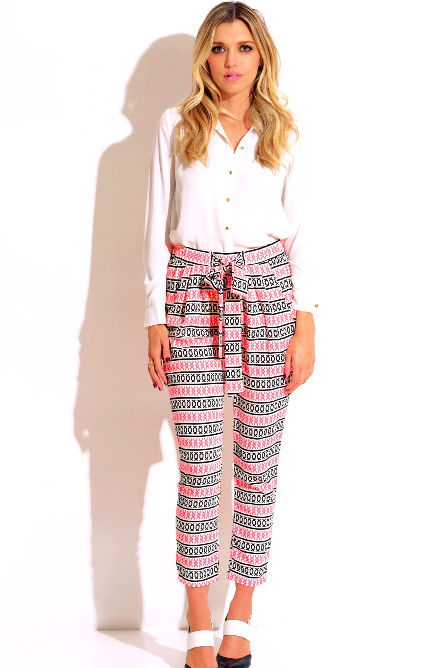 Pink ethnic print pocketed tie front harem pants