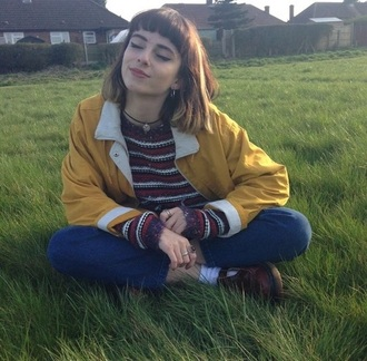 jacket grunge tumblr hipster autumn/winter sweater coat parka yellow urban windbreaker alternative tumblr outfit tumblr girl choker necklace beautiful cute style teenagers aesthetic edgy hair oversized sweater nature based spring yellow jacket yellow moutarde jaune jaune pastel yellow pastel yellow coat shirt shoes pants