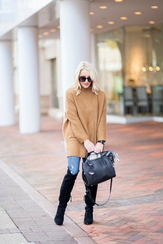 gbo fashion blogger sweater jeans shoes bag scarf jewels sunglasses oversized sweater beige sweater over the knee boots boots handbag