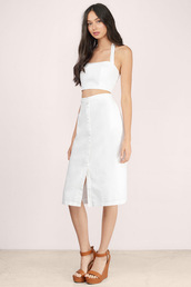 top,linen,crop tops,white top,white crop tops,sleeveless crop top
