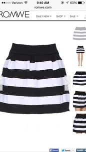 skirt,black and white striped pleated bubble skirt